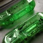 Open geknipte plastic flessen